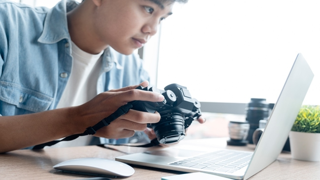 Lightroom Or Photoshop: Which One Is Right for Beginner